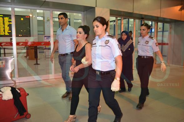 Polisten Şok Operasyon Kuyumcu Soyguncuları Kıskıvrak Yakalandı.!