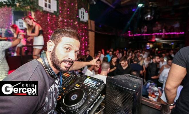 Başarılı Kıbrıslı Türk DJ Emel Eskut, İstanbul'daki Eğlence Mekânlarında Yaptığı Şovlarla İsim Yaptı!