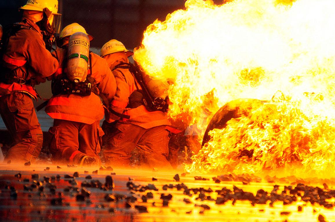 Lefkoşa ve İnönü'de yangın!