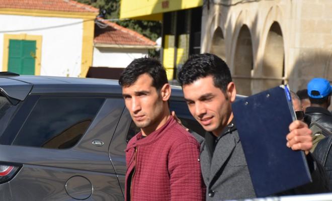 İki Kafadar Bonzai'yi Vurdular Arabada Bayıldılar Devriye Gezen Polis