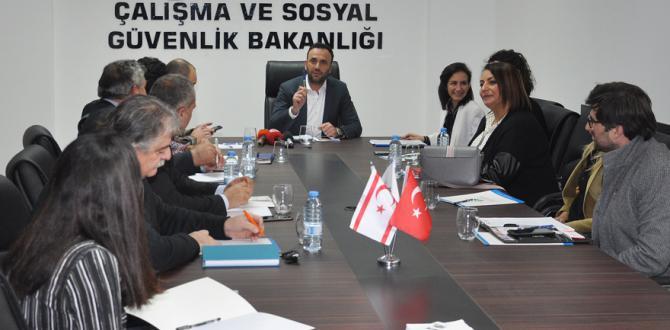 Çalışma ve Sosyal Güvenlik Bakanı,Çeler: İnsanlara Köle Gözüyle Bakmaktan Vazgeçin!