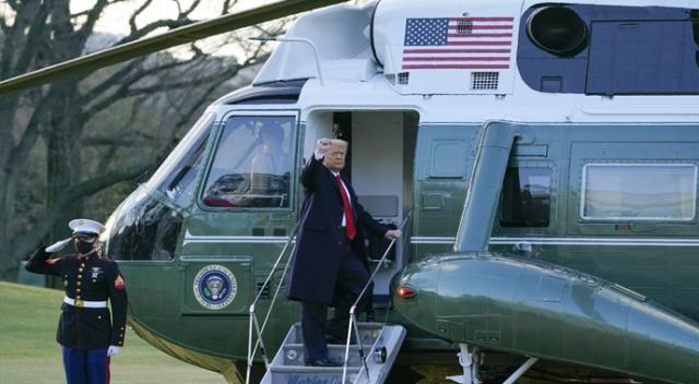 Donald Trump Ailesiyle Birlikte Beyaz Saray'dan Ayrıldı