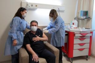 Başbakan Ersan Saner, Koronavirüs Aşısı Olmasının Ardından Açıklama Yaptı.