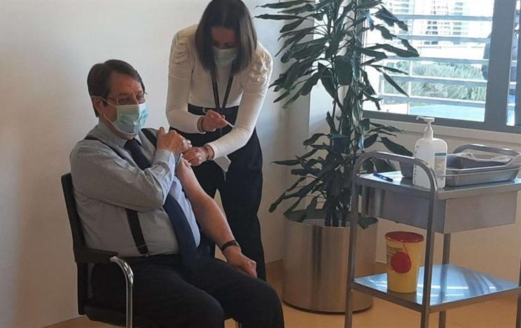 Rum Yönetimi Başkanı Nikos Anastasiadis İkinci Doz Aşıyı Oldu
