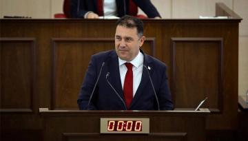 Başbakan Ersan Saner, Geçiş Kapılarının Açılmasıyla İlgili Üst Komitesi'nin Kararına Göre Hareket Edeceklerini Belirtti