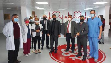 Lefkoşa Dr. Burhan Nalbantoğlu Devlet Hastanesi'ni Ziyaret Eden Sağlık Bakanı Ünal Üstel, servisleri Ziyaret Ederek İncelemelerde Bulundu