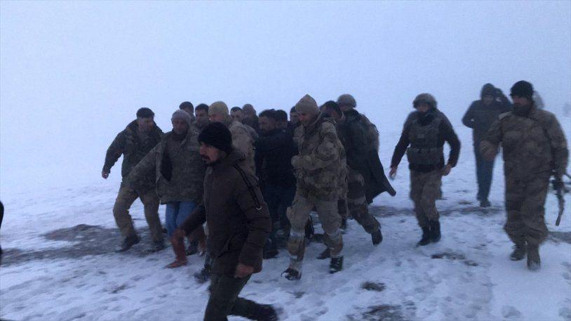 Bitlis'in Tatvan İlçesinde Bir Askeri Helikopter Düştü 9 Şehit, 4 Yaralı Var