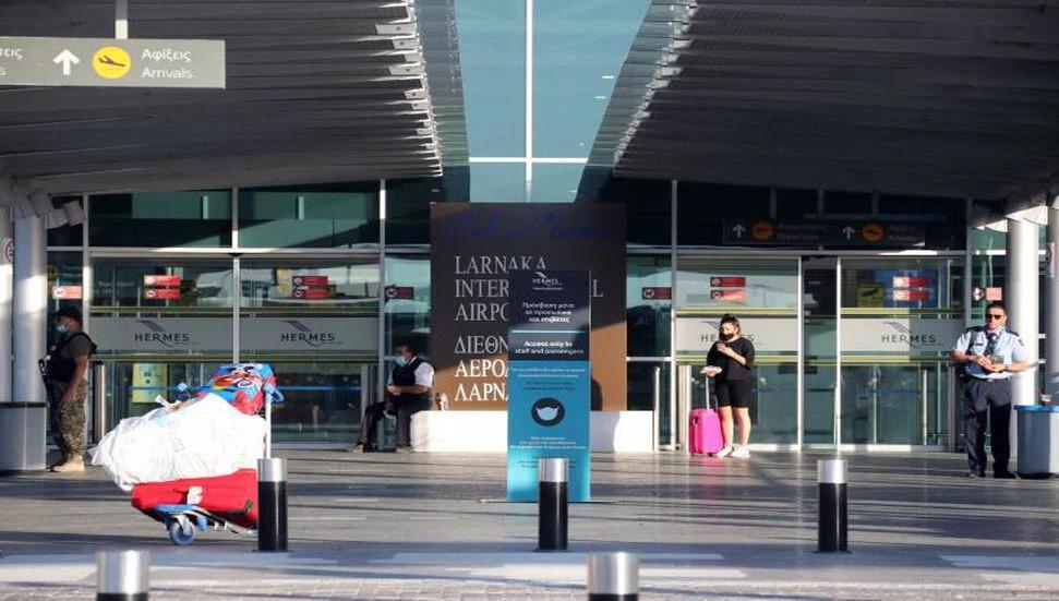 Güney Kıbrıs'a Testsiz Ve Karantinasız İsrail ve Rusya'dan Turistler Geldi
