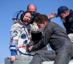 Uzayda 6 Ay Kaldıktan Sonra Dünya'ya Döndüler