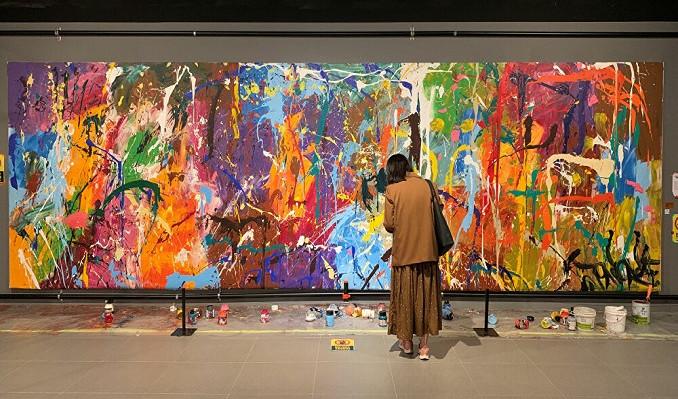 Sanat Galerisindeki Yarım Milyon Dolarlık Tabloyu Yanlışlıkla Boyadılar