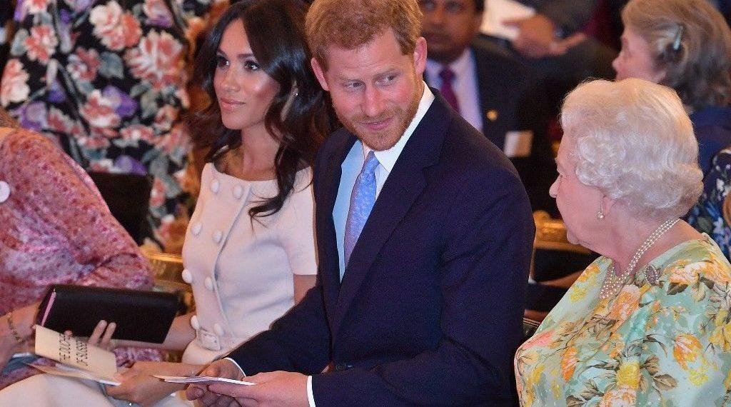 'Meghan Markle ile Prens Harry'den Kraliçe Elizabeth'e zeytin dalı'